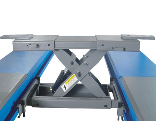 Rolling jack safety design,fixed when loaded  and movable easily when unloaded